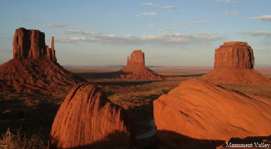 Monument_Valley_am_Abend